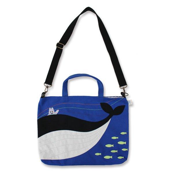 取り外し自由で肩に掛けられる2wayブルーのレッスンバッグ「くじらの海」
